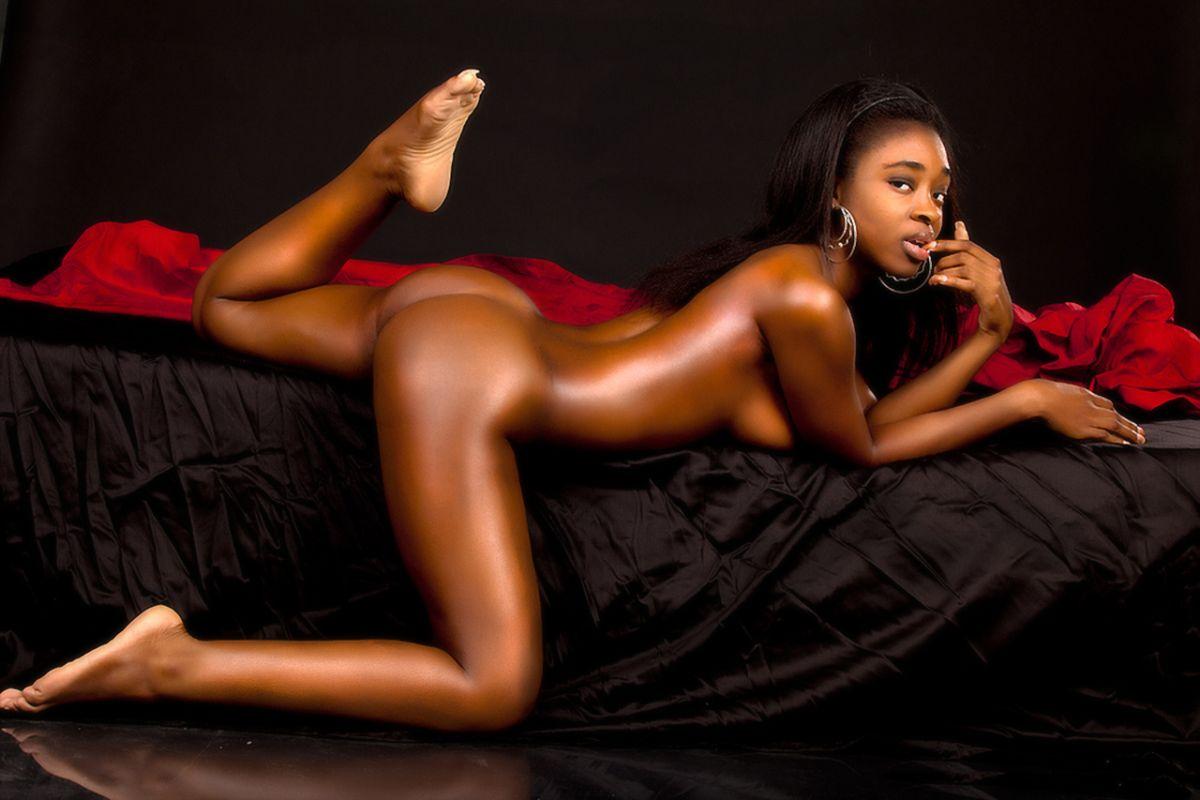 Tipper nude dominique Dominique Tipper