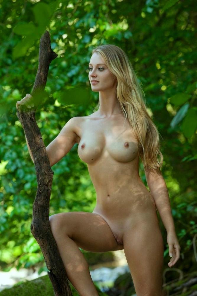 Nackt  Abigail Hawk 41 Hottest