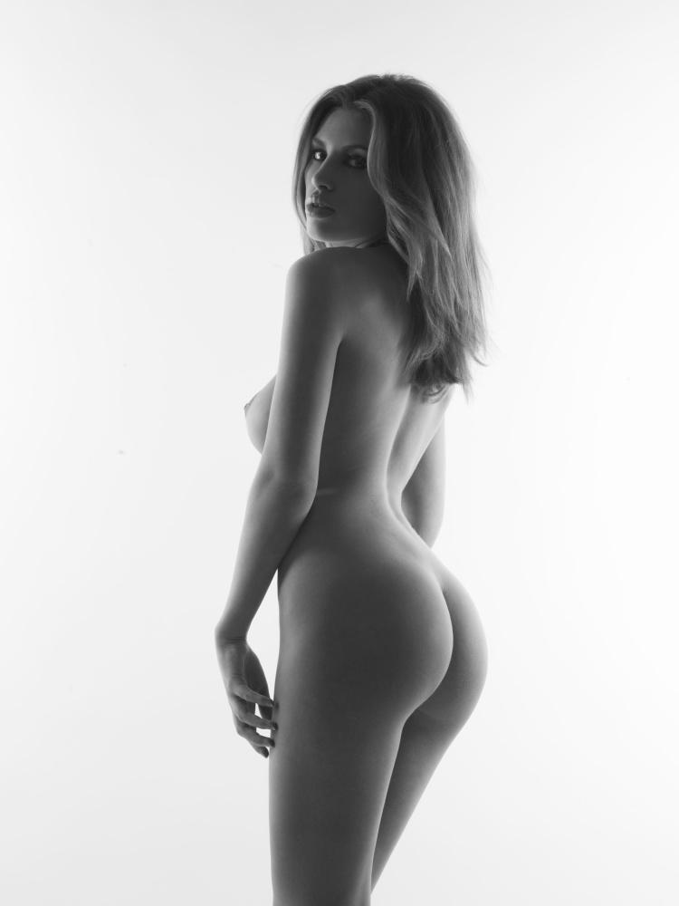 Sharp nude danielle Danielle Sharp