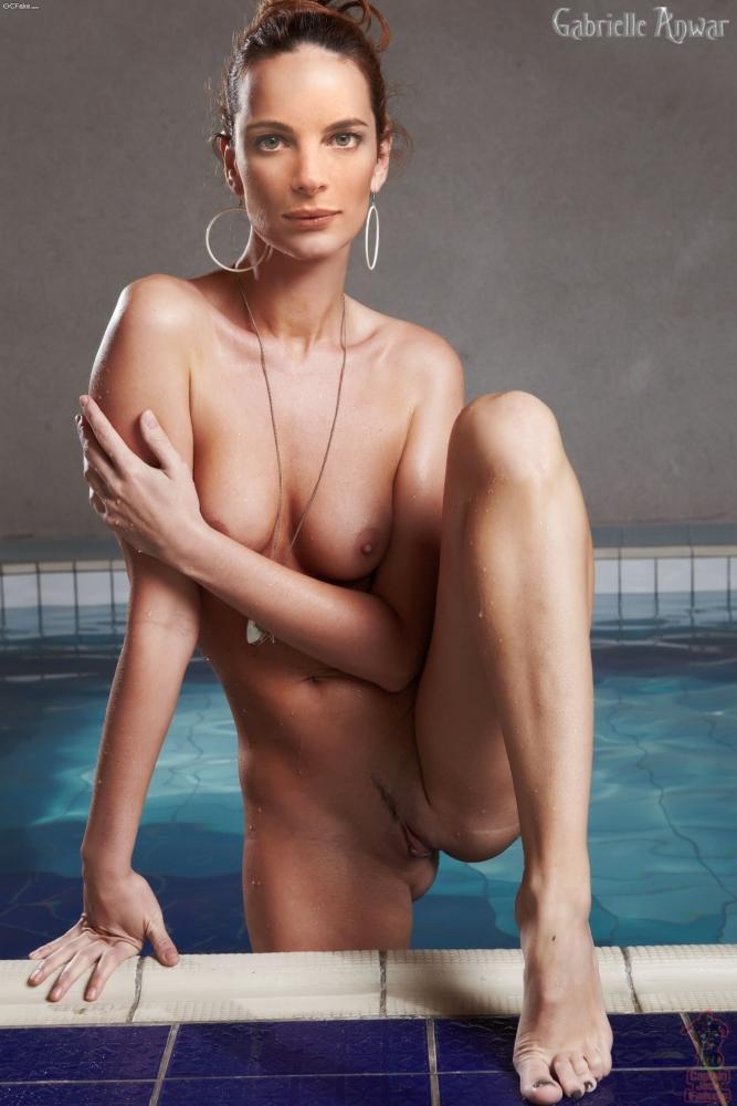 Susan May Pratt  nackt